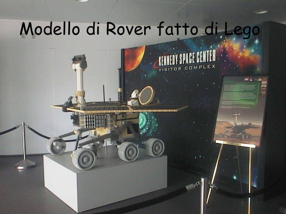 Modello di Rover fatto di Lego