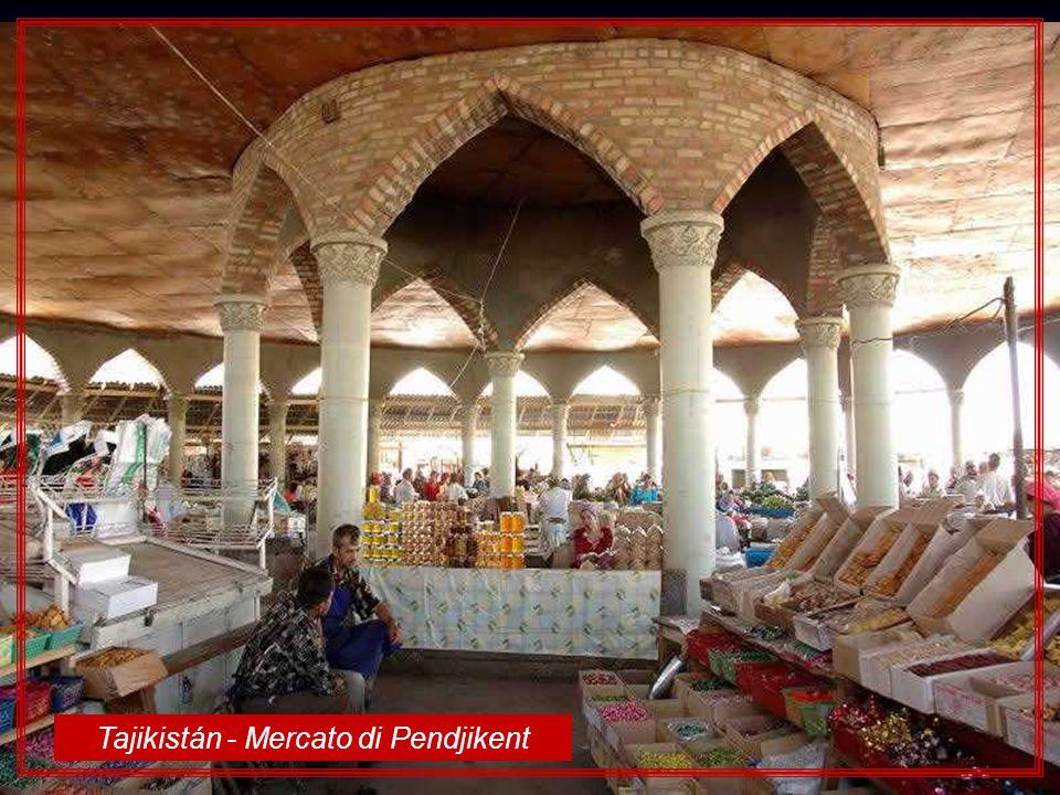 Sri Lanka – Lantica città di Sigiriya