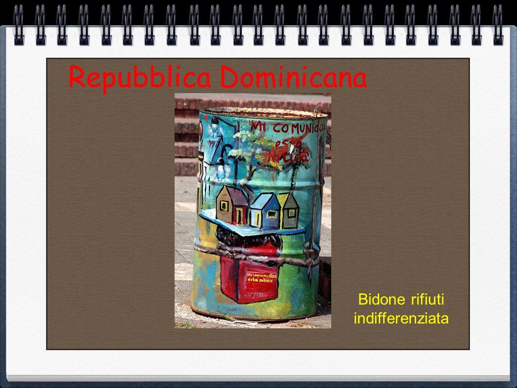 Bidoncini rifiuti a Nizza Francia