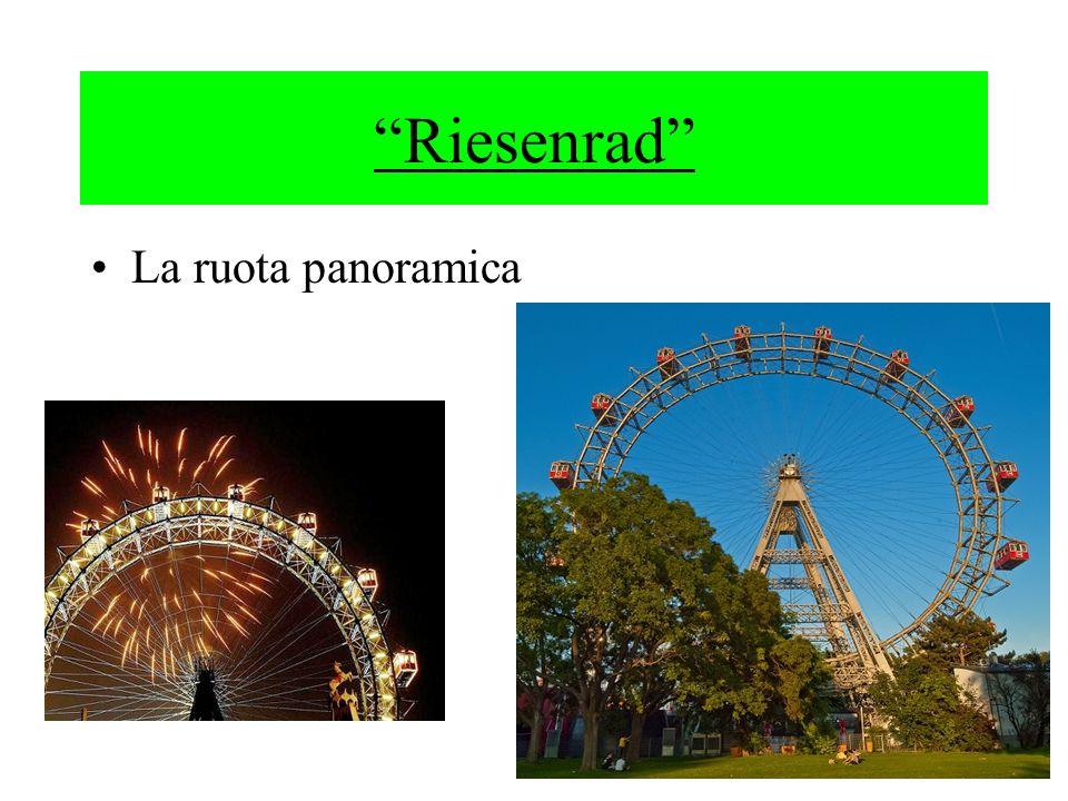La ruota panoramica è stata costruita nel 1897 in occasione dei 50 anni del regno dellimperatore Francesco Giuseppe I.Divenne da subito un luogo di incontro per i viennesi,fu incendiata durante la guerra,ma nel 1947 fu ricostruita e ritornò in funzione.Ancora oggi è una delle maggiori attrazioni di Vienna.La vista è magnifica.