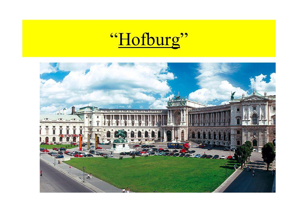 Fino al 1918 limmenso complesso del palazzo imperiale che sorge nel cuore di Vienna fu il centro politico della monarchia.