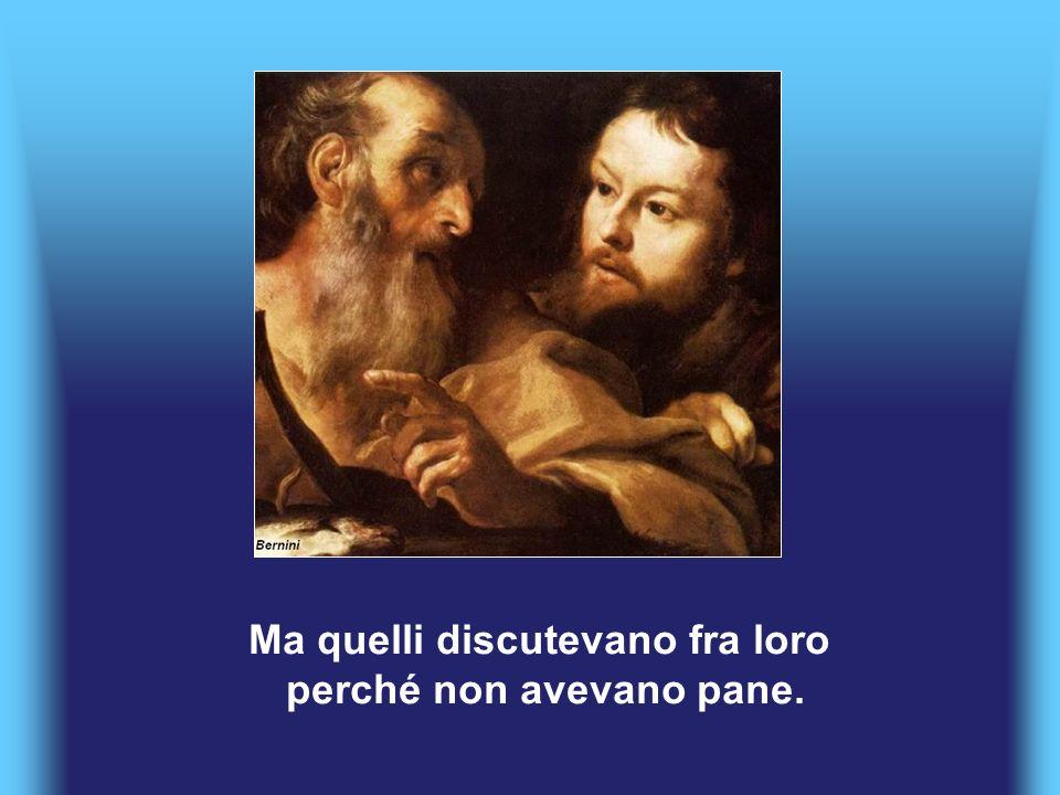 Allora Gesù li ammoniva dicendo: «Fate attenzione, guardatevi dal lievito dei farisei e dal lievito di Erode!».