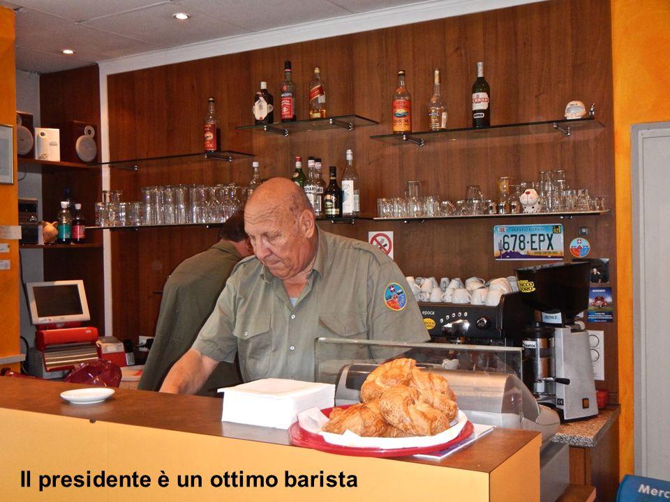 Ritrovo al Tizi Bar alle 08.45 Il presidente è un ottimo barista