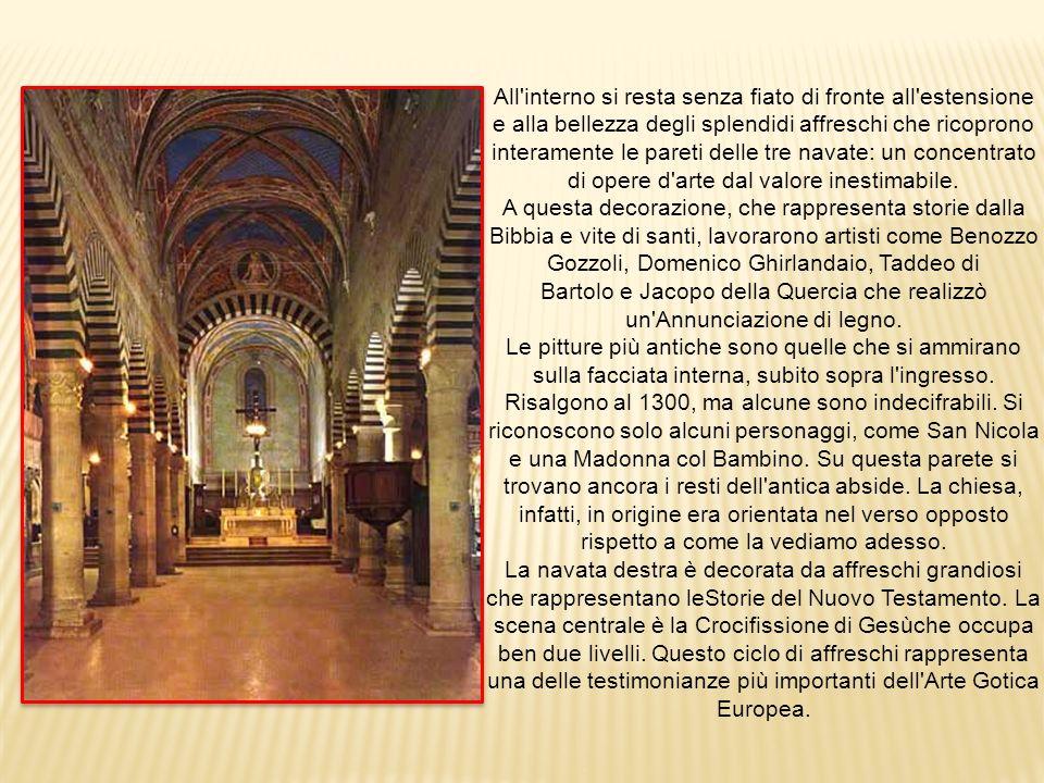 All interno si resta senza fiato di fronte all estensione e alla bellezza degli splendidi affreschi che ricoprono interamente le pareti delle tre navate: un concentrato di opere d arte dal valore inestimabile.