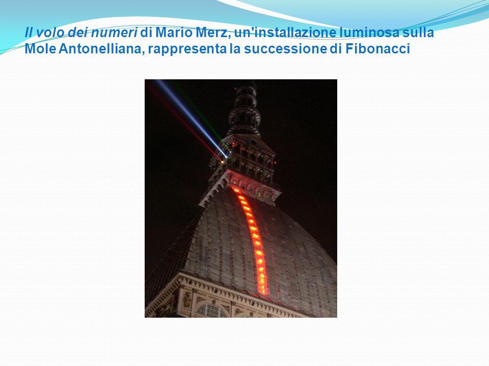Il volo dei numeri di Mario Merz, un'installazione luminosa sulla Mole Antonelliana, rappresenta la successione di Fibonacci