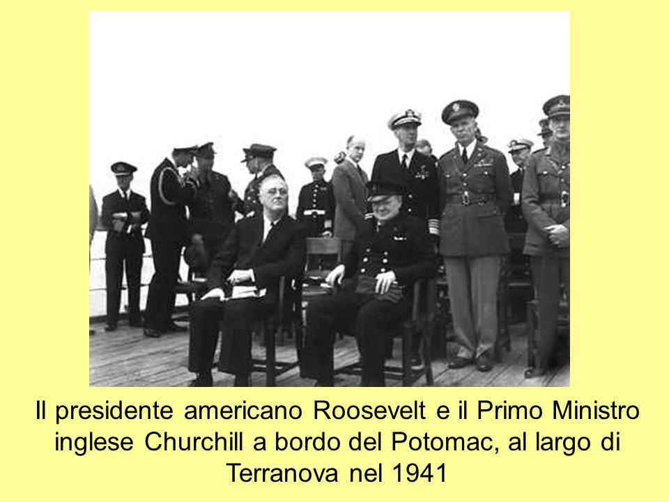 Il presidente americano Roosevelt e il Primo Ministro inglese Churchill a bordo del Potomac, al largo di Terranova nel 1941