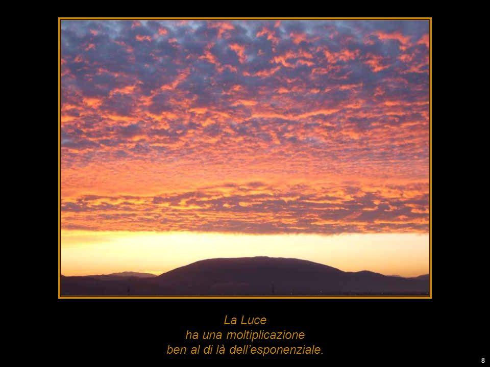-------------------------------- I testi in corsivo sono tratti da: ------------------------------ VENTIDUE PASSI DAMORE di Daniele Passerini A & B Editrice (Bonanno Edizioni) ISBN 8877280670 – 90 pagg.