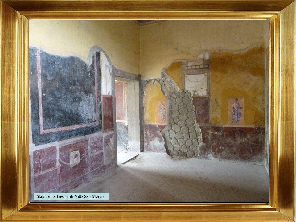 Castellammare di Stabia ha origini incerte che si perdono nella notte dei tempi. Alcuni ritrovamenti documentano che la zona era già abitata fin dall'