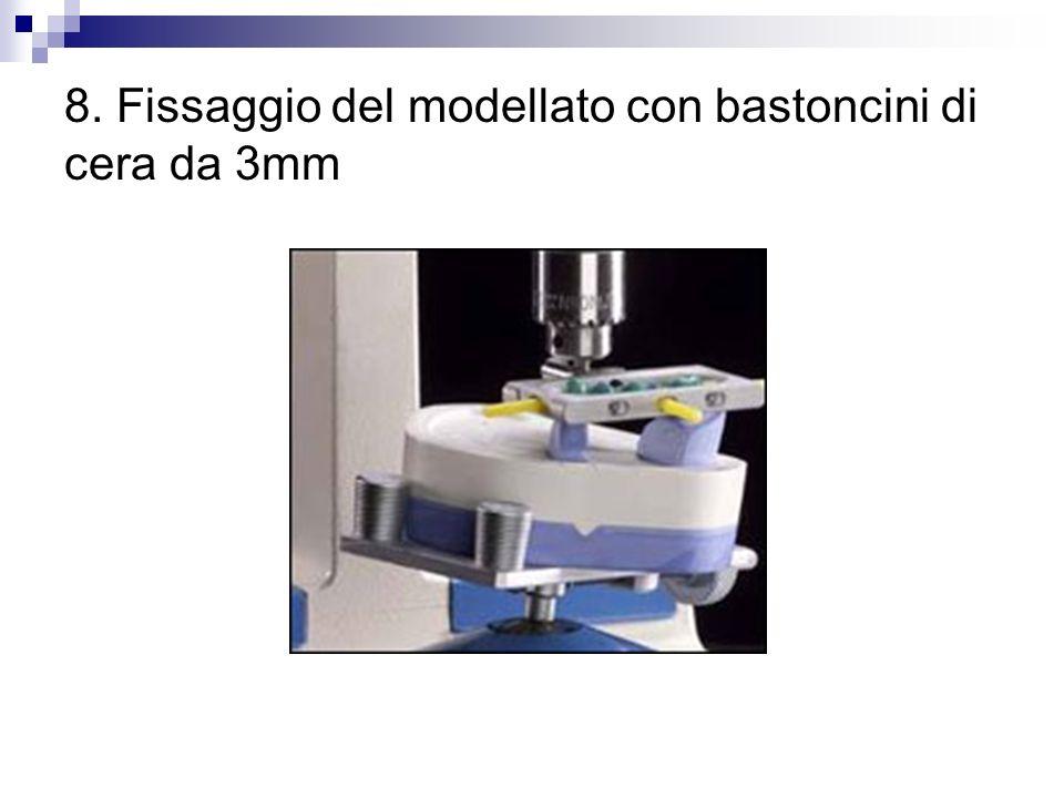 9. Fissaggio del modellato con bastoncini di cera da 3mm - Particolare