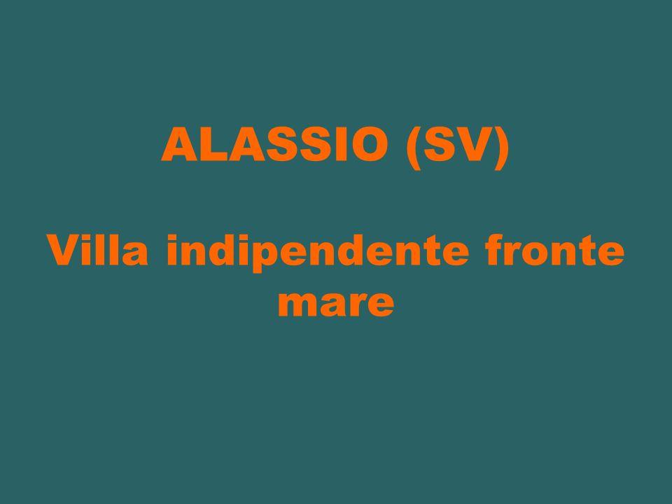 ALASSIO (SV) Villa indipendente fronte mare