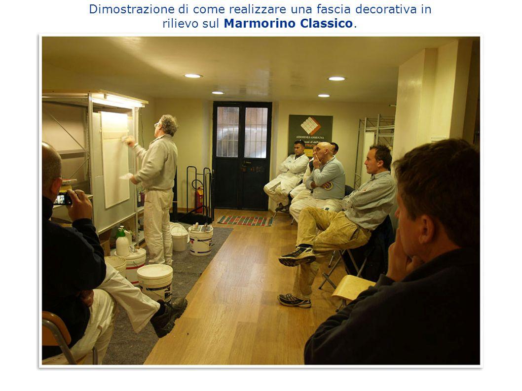 Dimostrazione di come realizzare una fascia decorativa in rilievo sul Marmorino Classico.