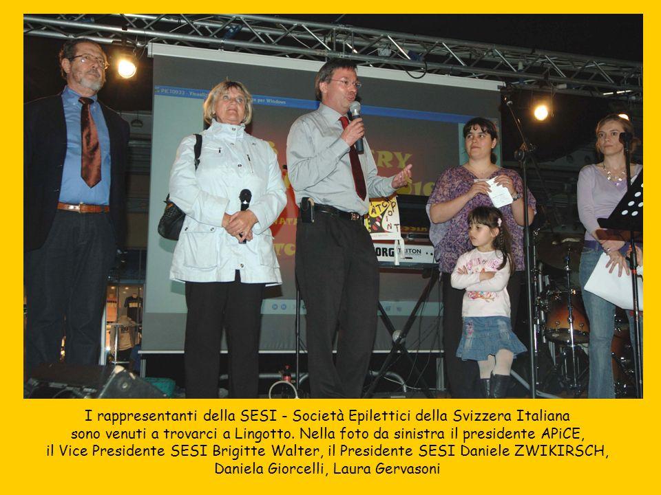 I rappresentanti della SESI - Società Epilettici della Svizzera Italiana sono venuti a trovarci a Lingotto. Nella foto da sinistra il presidente APiCE