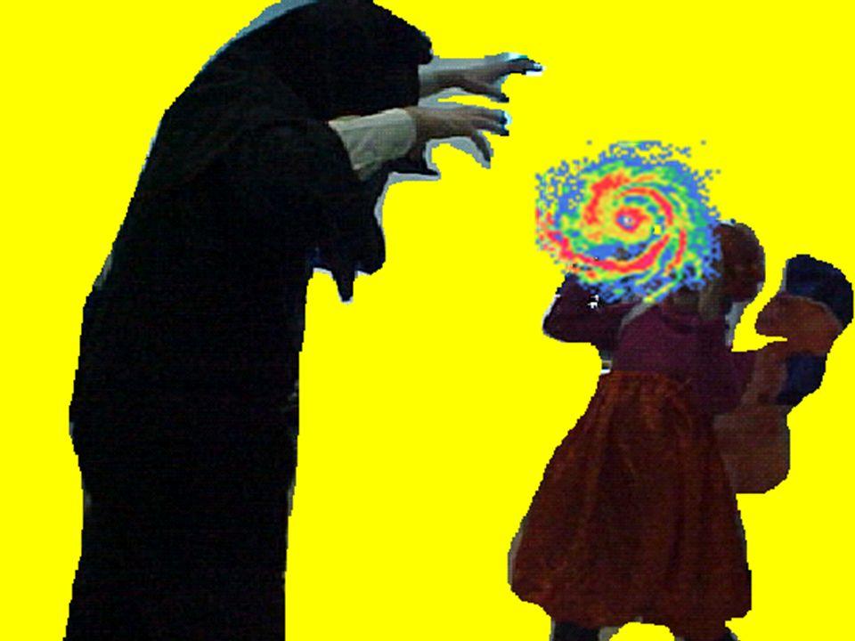 Il mago tentò di colpire Esmeralda per sottrargli la sfera fatata.
