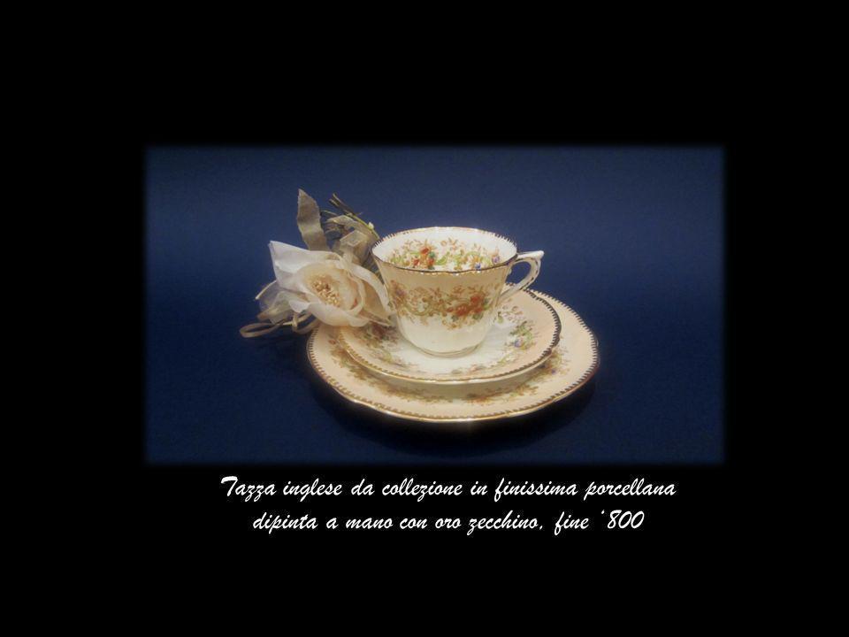 Tazza inglese da collezione in finissima porcellana dipinta a mano con oro zecchino, fine 800
