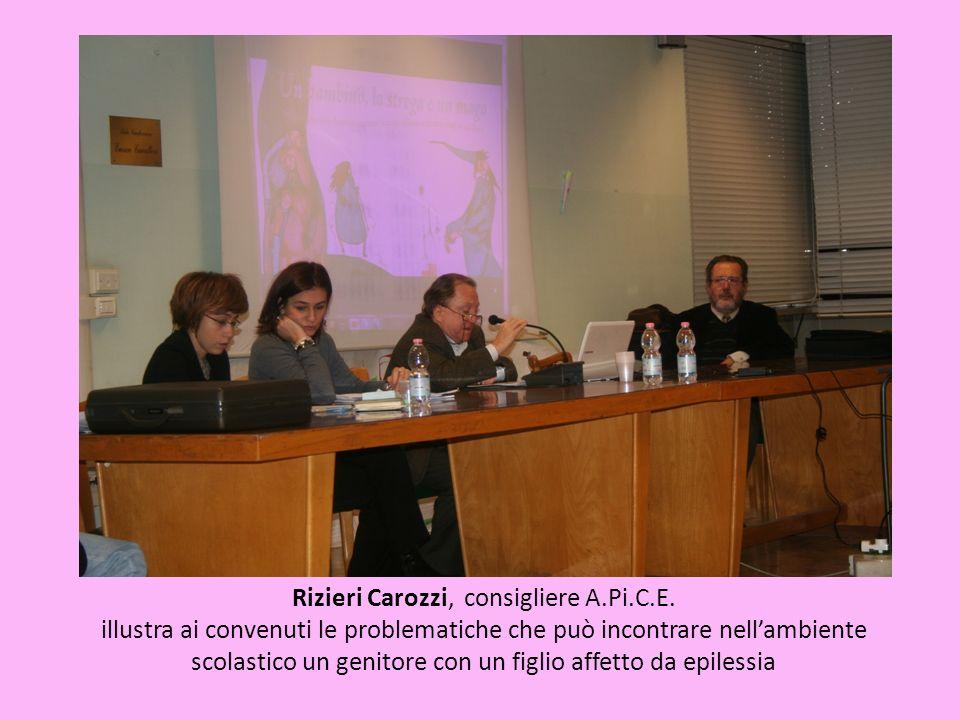 Rizieri Carozzi, consigliere A.Pi.C.E. illustra ai convenuti le problematiche che può incontrare nellambiente scolastico un genitore con un figlio aff