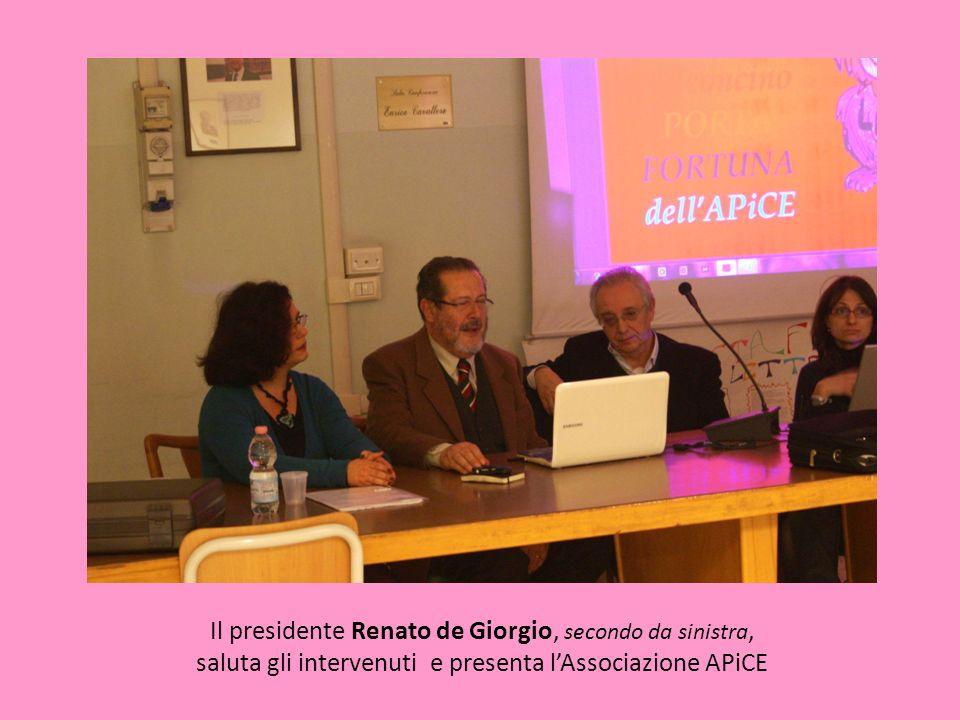Il presidente Renato de Giorgio, secondo da sinistra, saluta gli intervenuti e presenta lAssociazione APiCE
