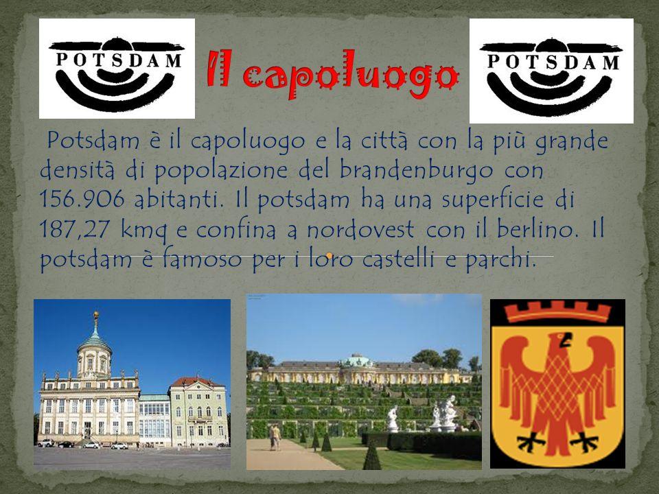 Potsdam è il capoluogo e la città con la più grande densità di popolazione del brandenburgo con 156.906 abitanti.
