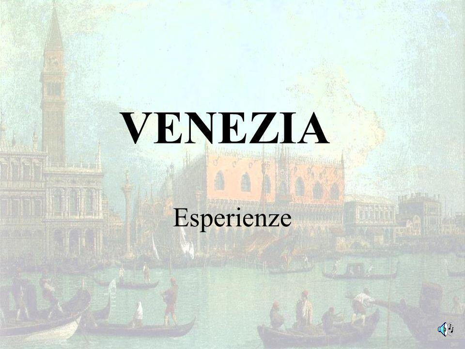 Nei giorni 16 e 18 aprile le classi prime (B-C e A-D) si sono recate in visita distruzione a Venezia.