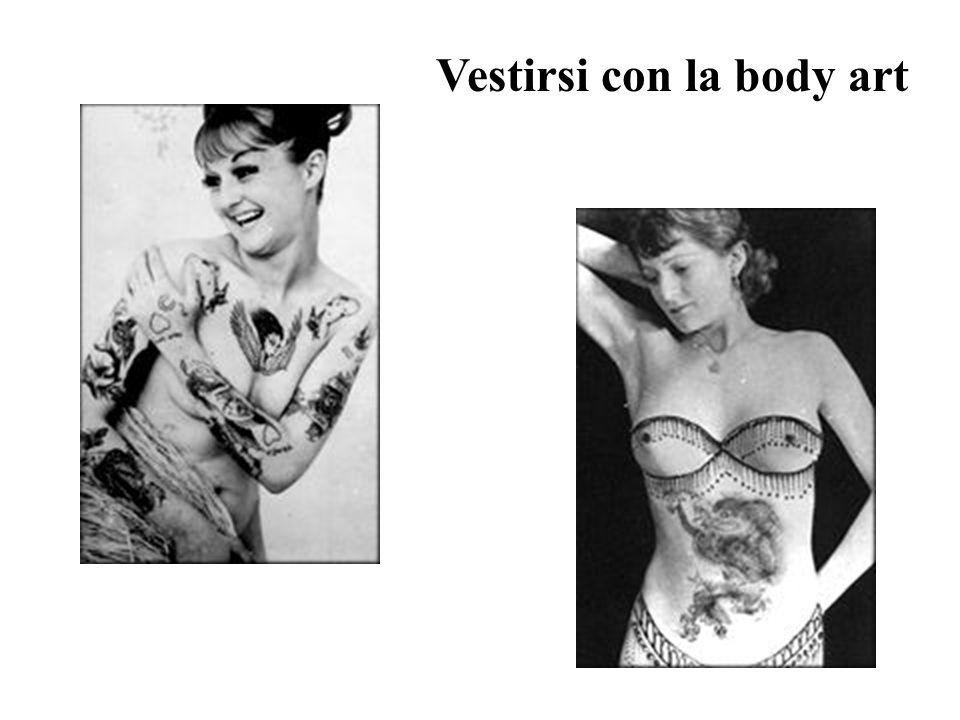 Tatuaggi anni 40 Esempi di body art femminile negli 40 negli Stati Uniti