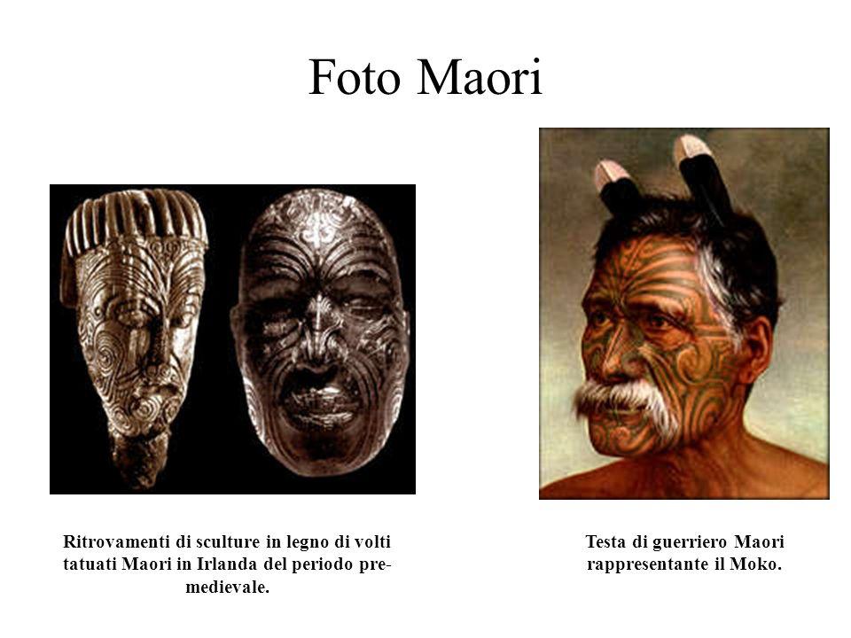Disegni Maori A sinistra: guerriero Maori con tatuaggi tribali A destra: capo spirituale con tatuaggi sul bacino
