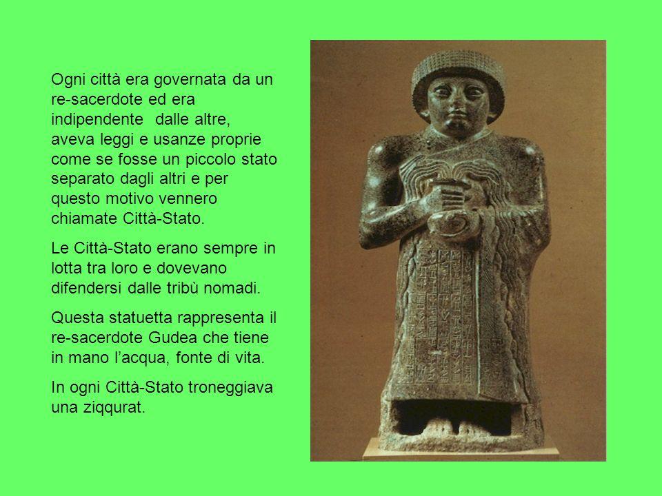 Ogni città era governata da un re-sacerdote ed era indipendente dalle altre, aveva leggi e usanze proprie come se fosse un piccolo stato separato dagl