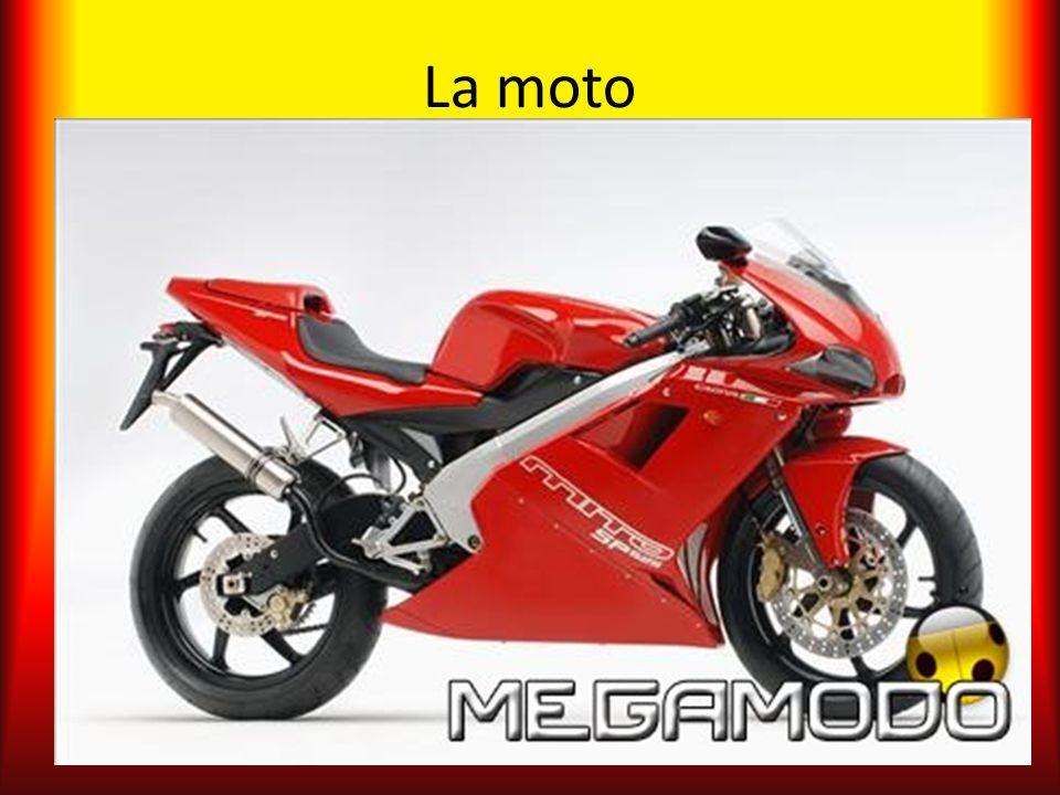 Etimologia In origine questo tipo di veicolo veniva definito bicicletta a motore, a causa della sua discendenza dalla bicicletta.