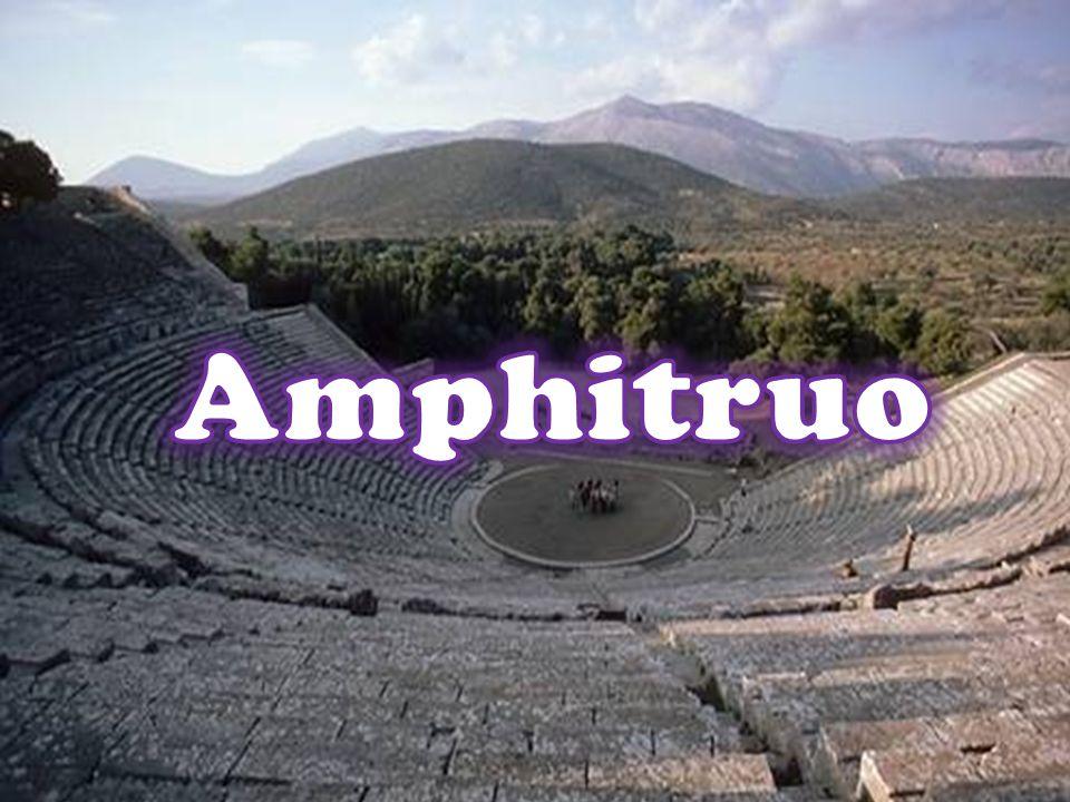 LAmphitruo, una delle piuùimportanti commedie plautine, deriva da unopera della mitologia greca intitolata Anfitrione, dal nome del suo protagonista.