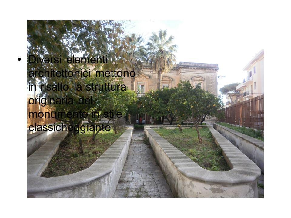 Il palazzo, rilevato dal Banco di Napoli in seguito ad alcune vicende familiari, divenne proprietà del Comune di Fasano nel 1951 per volontà del sindaco donna Maria Chieco Bianchi; fu proprio lei a destinarlo a sede scolastica.