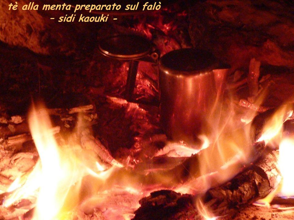 tè alla menta preparato sul falò – sidi kaouki -
