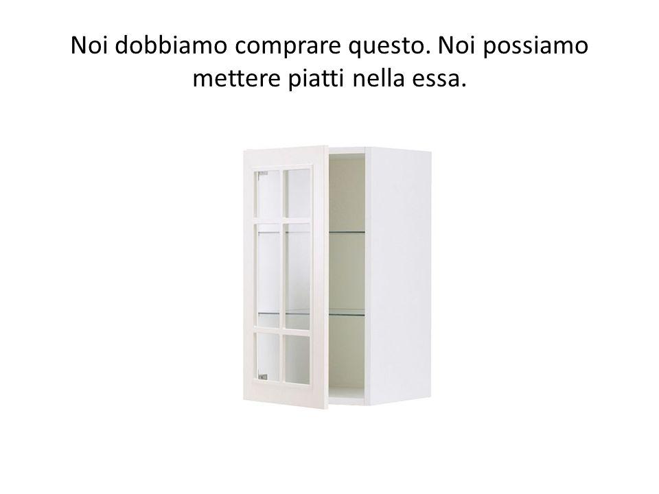 Io voglio questo. Esso ha lo specchio con due scaffale per il bagno.