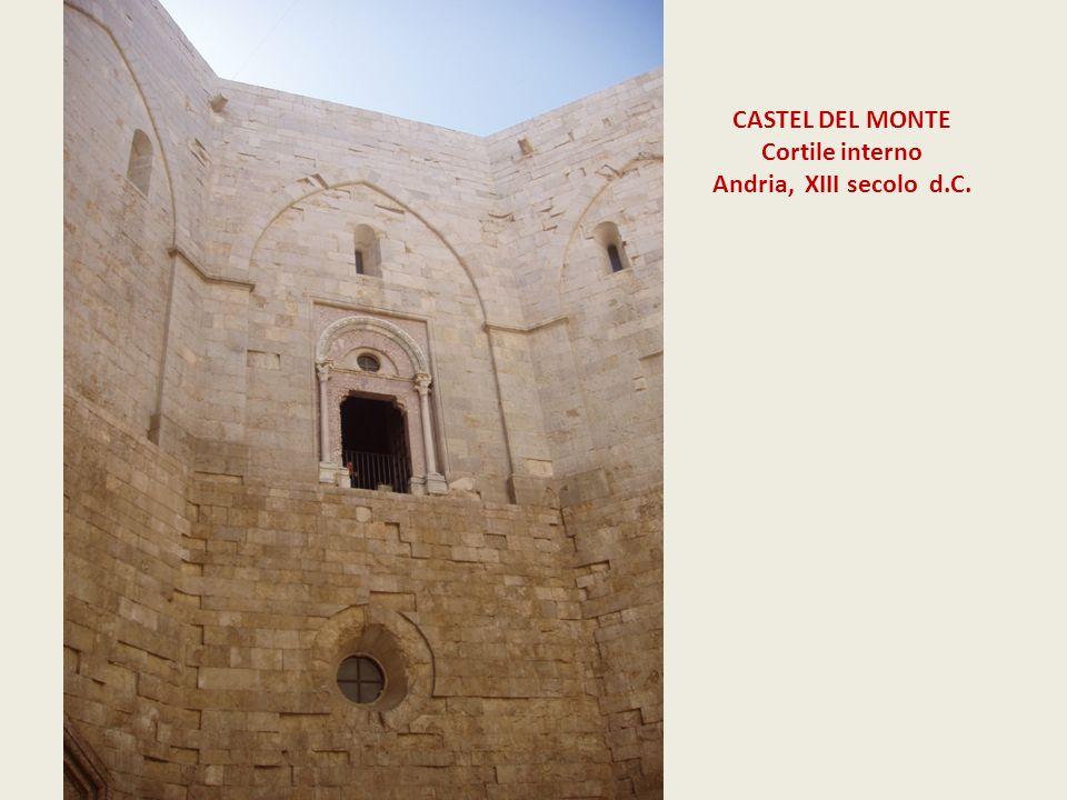 CASTEL DEL MONTE Cortile interno Andria, XIII secolo d.C.