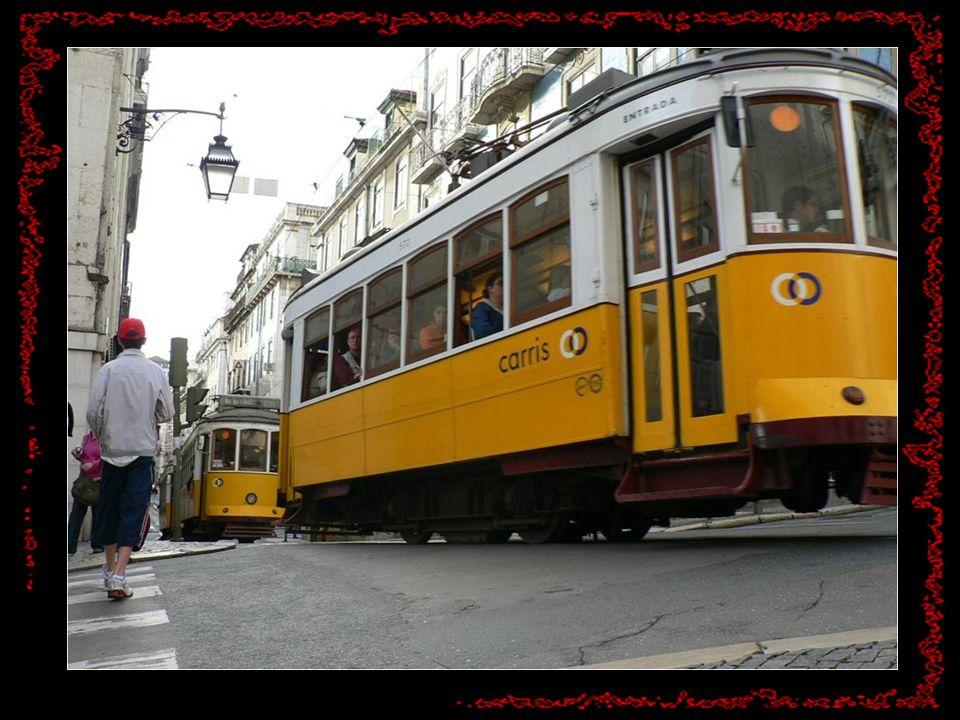 Non può mancare un giro sul tram n. 28