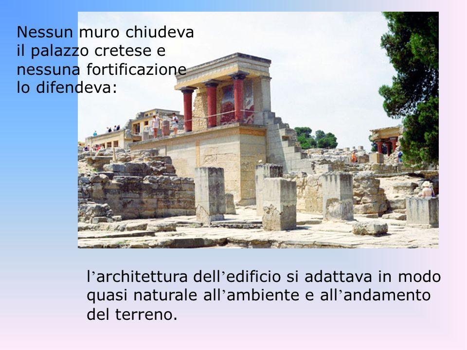 Larte e larchitettura I palazzi micenei furono delle vere rocche, cinte di poderose mura.