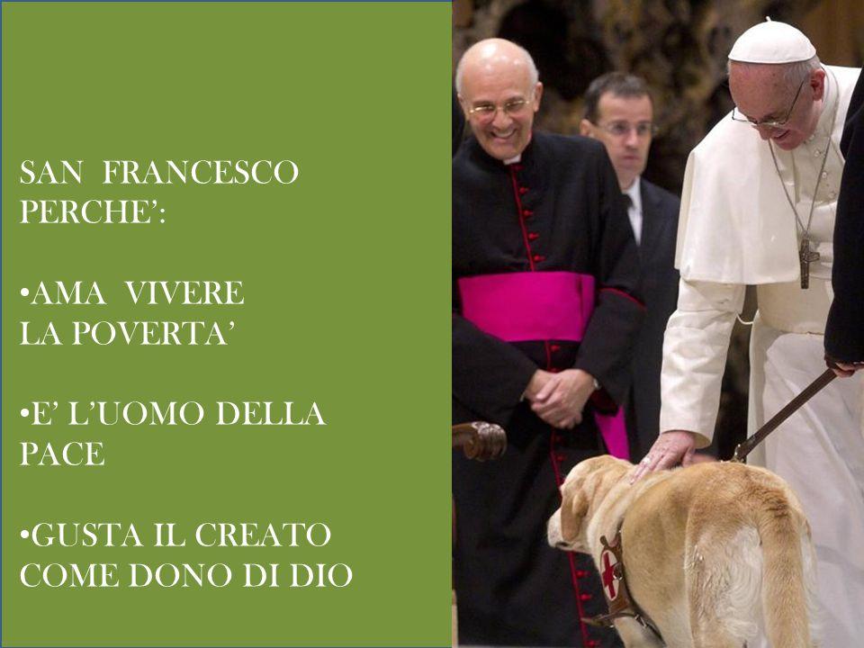 Papa Francesco abbraccia un sacerdote