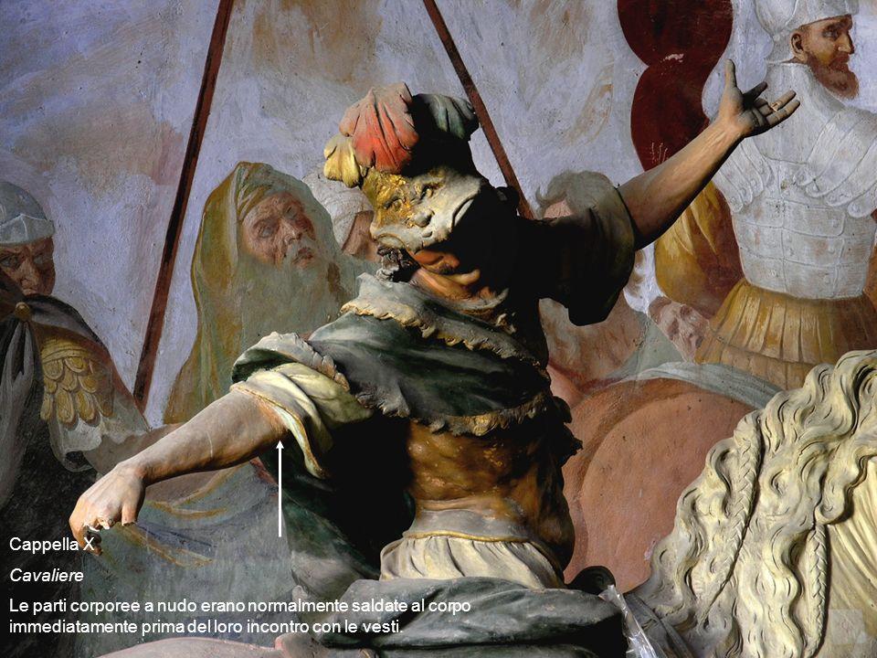 Cappella X Cavaliere Le parti corporee a nudo erano normalmente saldate al corpo immediatamente prima del loro incontro con le vesti.