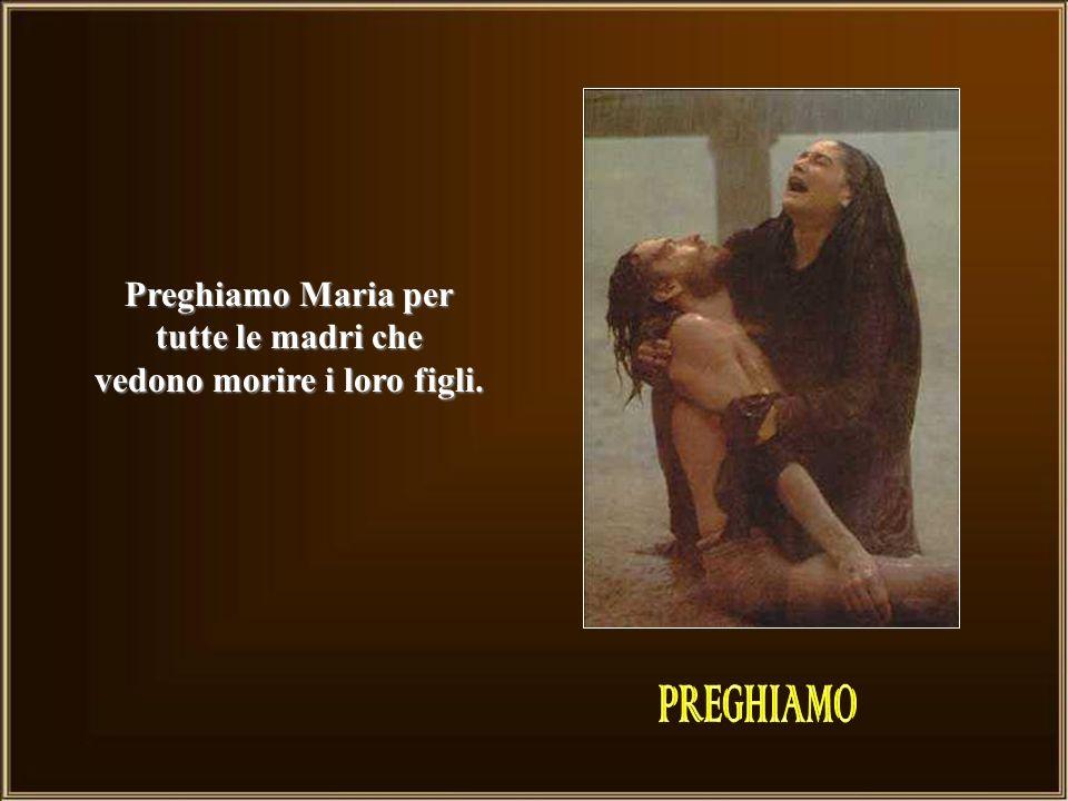Il dolore affonda come una spada nel cuore di Maria: ella ripete il SI dellannunciazione!