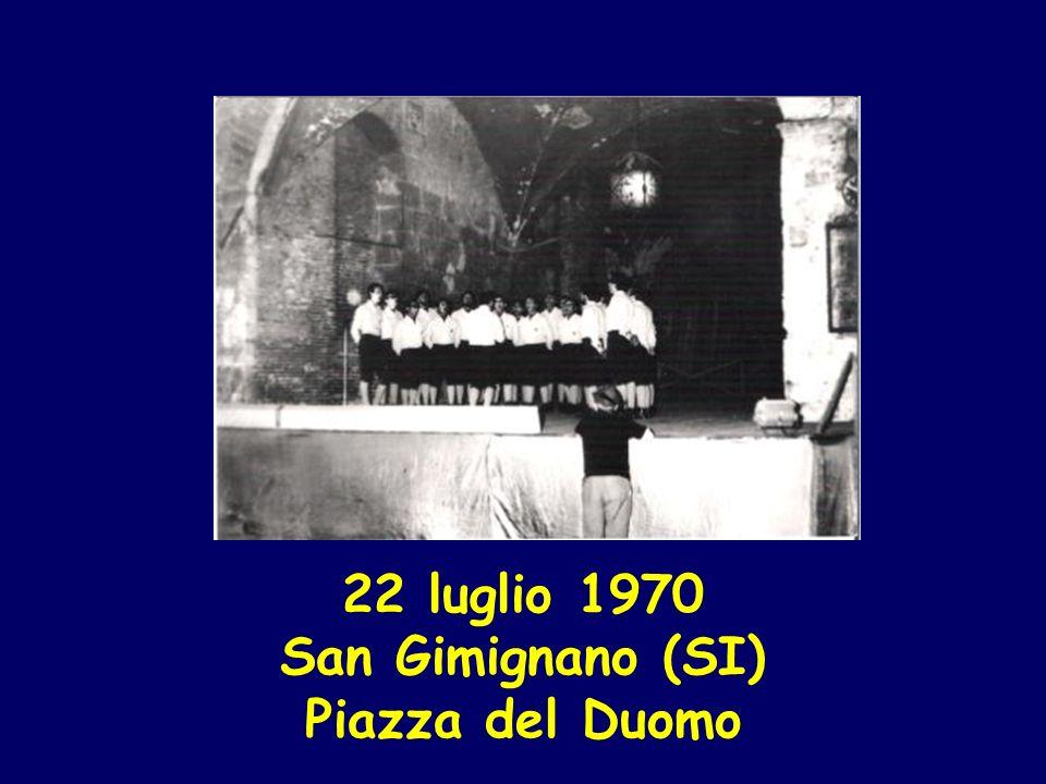 22 luglio 1970 San Gimignano (SI) Piazza del Duomo