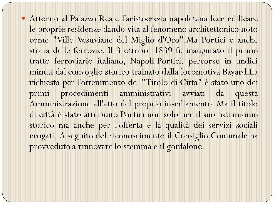 Attorno al Palazzo Reale l'aristocrazia napoletana fece edificare le proprie residenze dando vita al fenomeno architettonico noto come