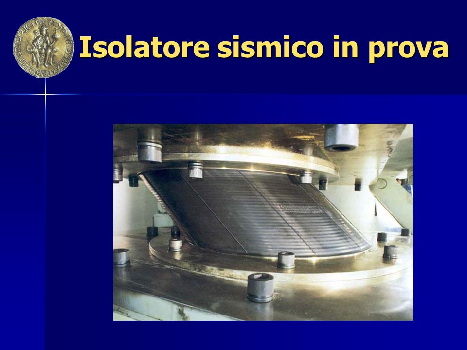 Isolatore sismico in prova