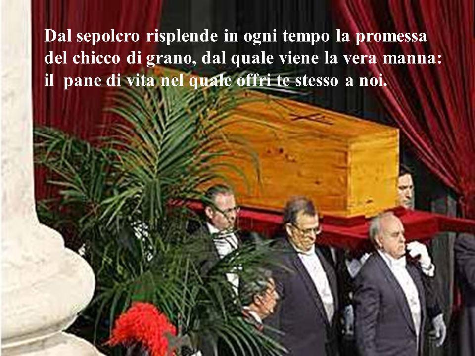 Gesù è deposto nel sepolcro Gesù è deposto nel sepolcro