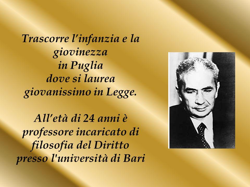 Trascorre linfanzia e la giovinezza in Puglia dove si laurea giovanissimo in Legge. Alletà di 24 anni è professore incaricato di filosofia del Diritto
