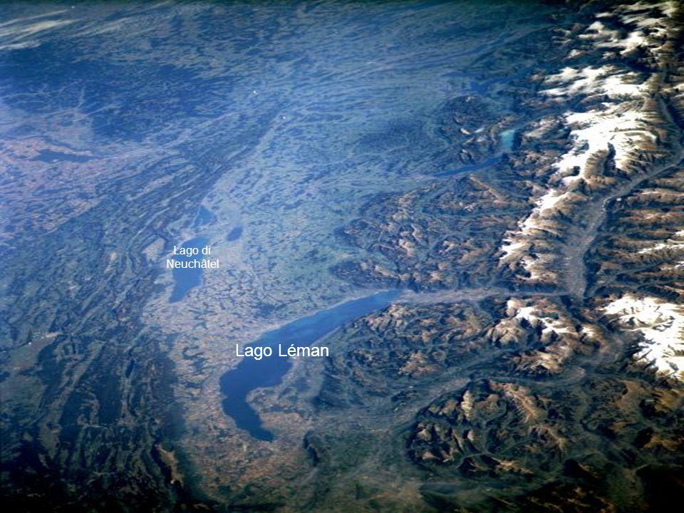 Le Alpi Svizzere, il lago Lemano, il maggiore lago dellEuropa Occidentale, e il corso del Rodano