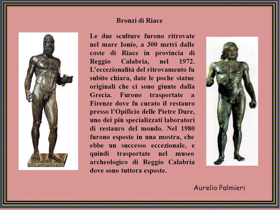 Aurelio Palmieri Centro in provincia di Reggio Calabria, posto su un dosso a 7 km.