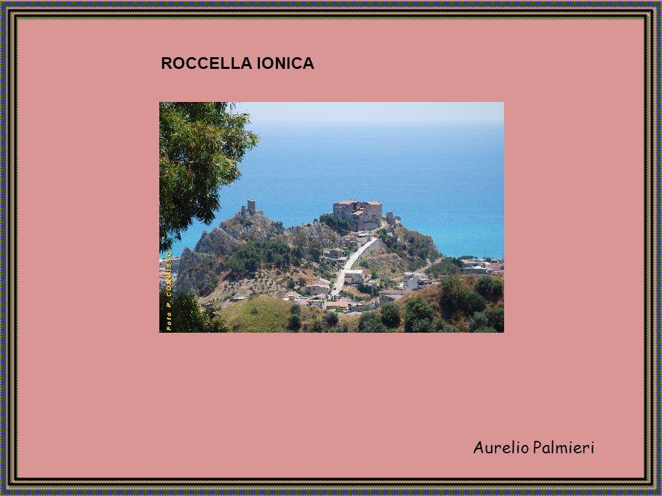 Le due sculture furono ritrovate nel mare Ionio, a 300 metri dalle coste di Riace in provincia di Reggio Calabria, nel 1972.