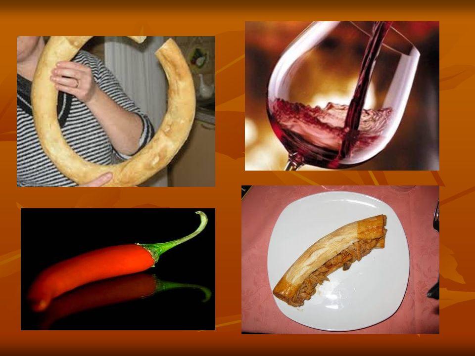L autentico piatto forte della cucina catanzarese, conosciuto un po ovunque e unico nel sapore e nell aroma, ottenuto dalla cottura delle interiora e della carne del vitello nel sugo e servito caldo nella pitta, pane a forma di focaccia schiacciata tagliata a libretto, è il Morzello (in dialetto Morzeddhu) il cui ingrediente base è costituito dalle interiora di vitello, con peperoncino piccante, sale, origano, alloro, e vino rosso.