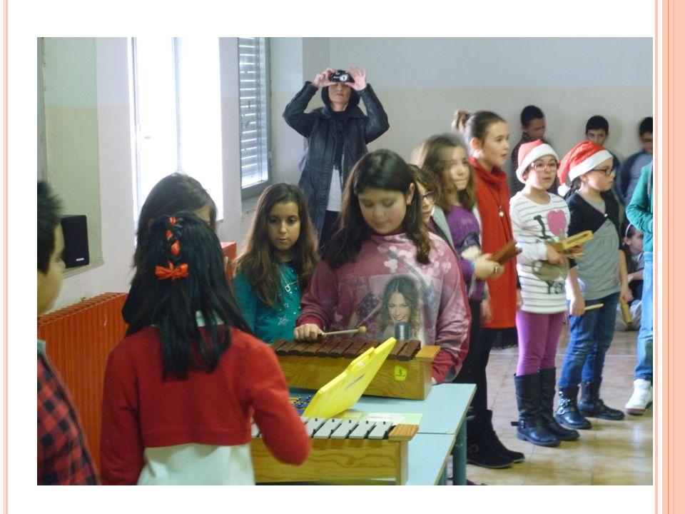 SAGGIO 5 A A Da Natale magico : piccola recita. Natale è arrivato (Parte vocale e strumentale).