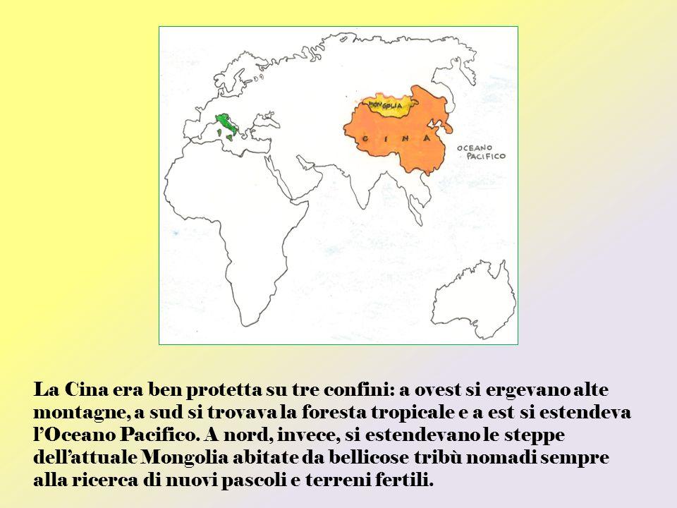 La Cina era ben protetta su tre confini: a ovest si ergevano alte montagne, a sud si trovava la foresta tropicale e a est si estendeva lOceano Pacific