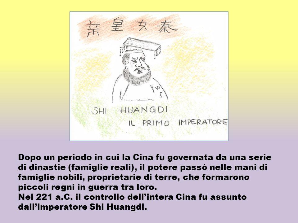 Dopo un periodo in cui la Cina fu governata da una serie di dinastie (famiglie reali), il potere passò nelle mani di famiglie nobili, proprietarie di