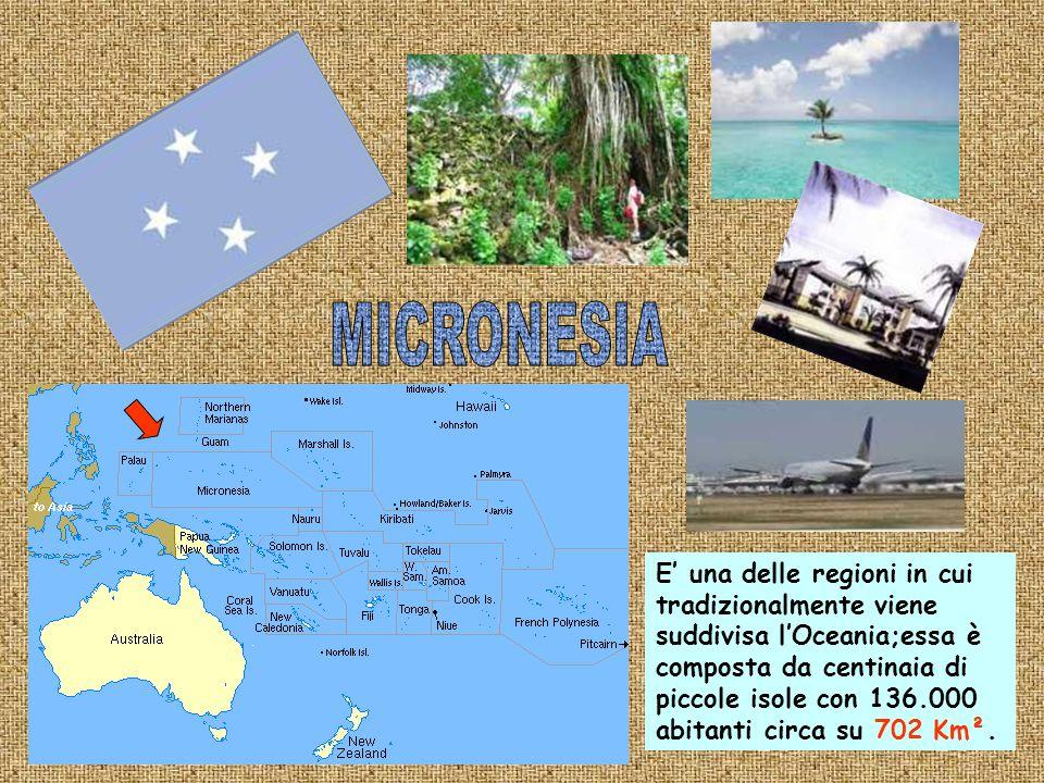 E situata nel sud-est asiatico nella penisola malese;la sua estensione è di 623 Km² con i suoi 4.987.600 abitanti è la città-stato più popolosa del mondo.