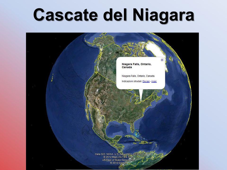 LE CASCATE OSSERVATE DA DIVERSI PUNTI DI VISTA Le cascate si compongono di due sezioni principali: l American Fall, nel territorio degli Stati Uniti, dalla quale precipitano ogni minuto 155 milioni di litri d acqua, e la Canadian Fall, o Horseshoe Fall ( Cascata a ferro di cavallo ), in territorio canadese, la cui portata d acqua è nove volte superiore a quella della cascata statunitense.
